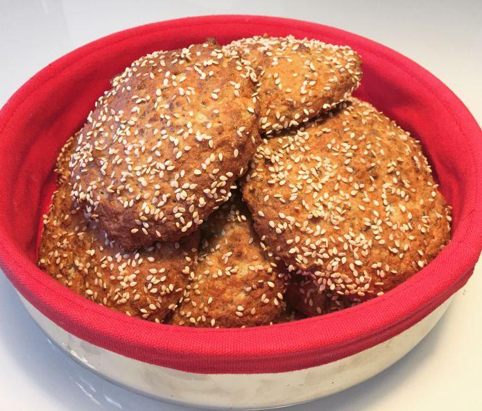 Super lækre Low-Carb sandwich-/burgerboller med hytteost og kokosfibre!
